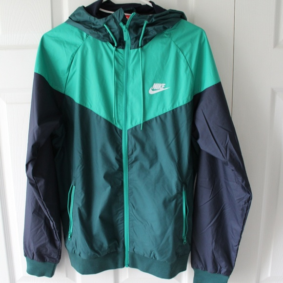 144b5b2892c9 Nike Sportswear Windbreaker. M 5a8721de31a376f7cf071b33